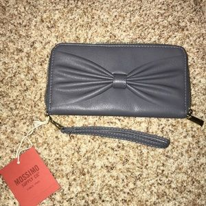 Handbags - NEW gray clutch